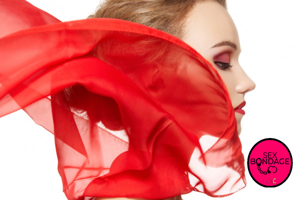 Blindfolding-cosa-si-nasconde-sotto-al-foulard